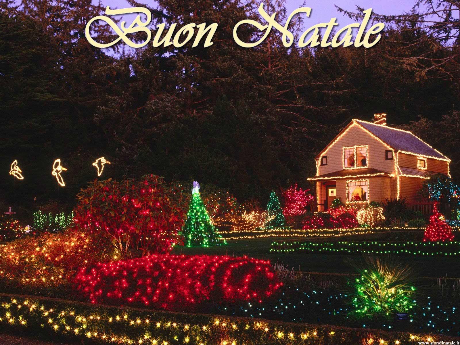 Sfondi Natale - Sfondo natalizio casa addobbata