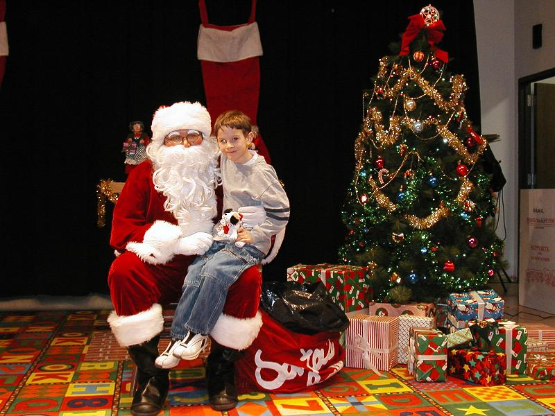 Sfondi Natale - Sfondo Babbo Natale con bambino